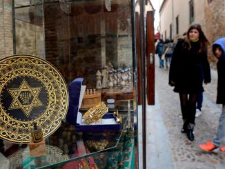 Jews apply Spanish citizenship